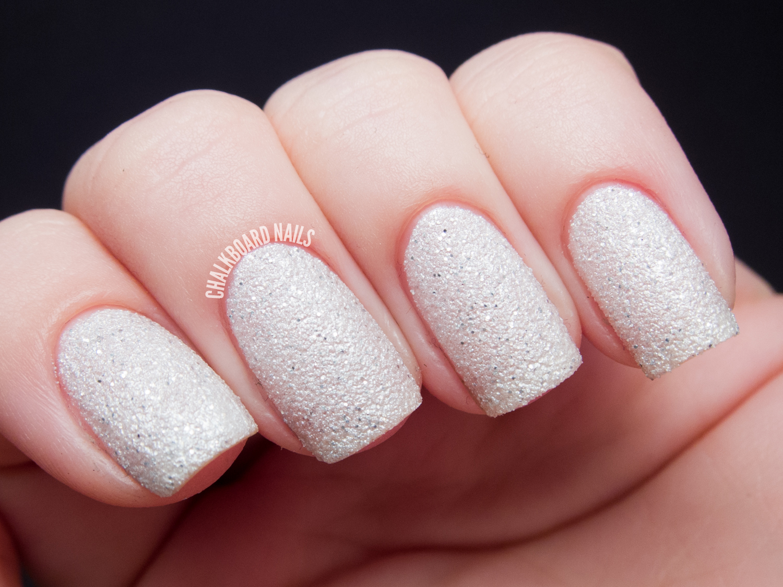 Дизайн ногтей лаком песок